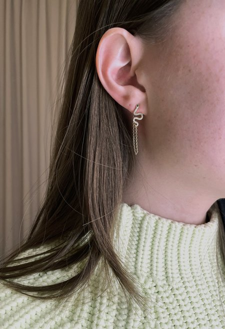 Nicole Kwon Concept Store Snake Chain Earrings