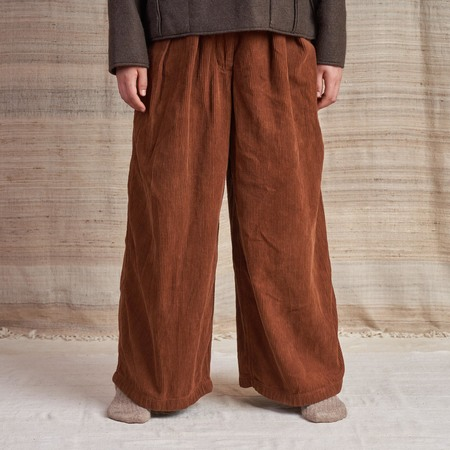 Story Mfg Bridge Trousers in Organic Corduroy - Bark Brown