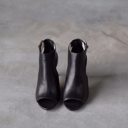 Matt Bernson Lyra Black Peep Toe Heels