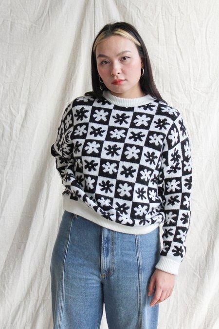 Lisa Says Gah Emma Sweater - black/white