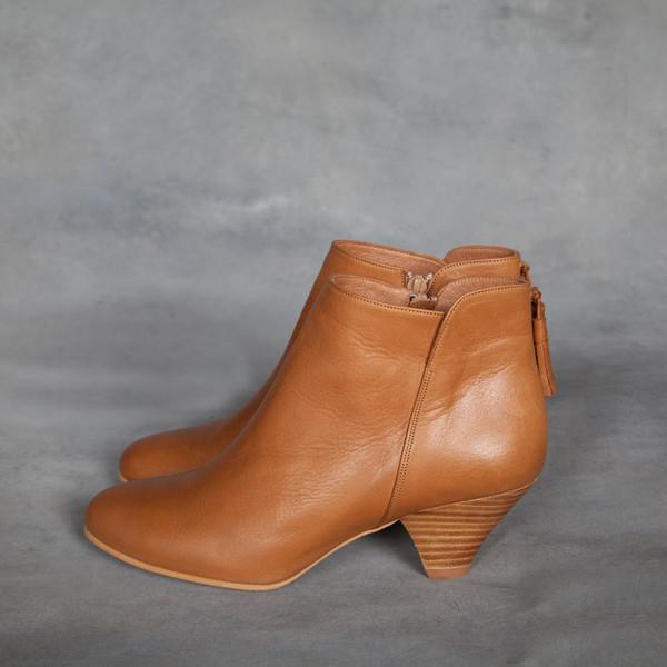 Sessun Barranco Tassel Ankle Boots in Camel