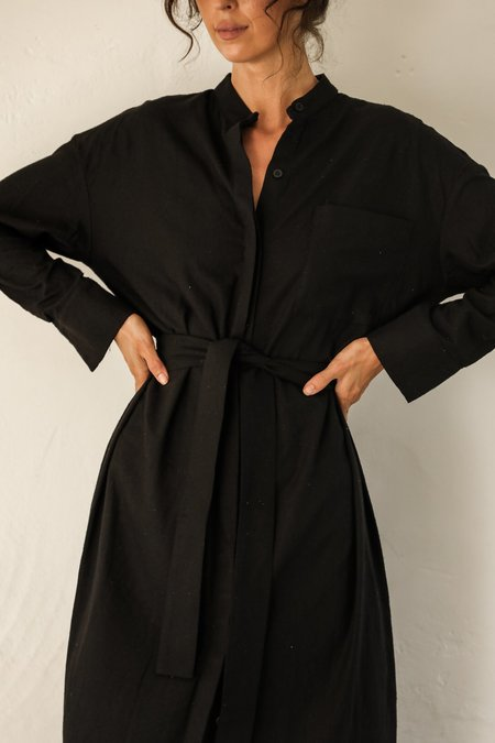 BAHHGOOSE INGE BUTTON UP belt robe - black