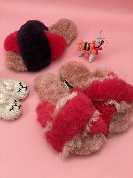 Ariana Bohling Sophie Alpaca Slipper - Fuchsia/Pink