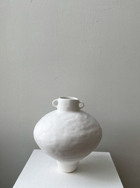 MARTA BONILLA Small Amphora Vase - White