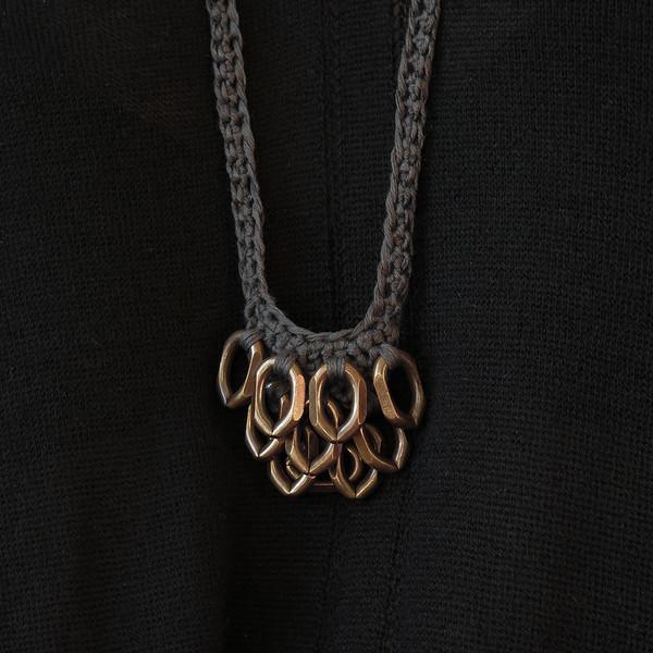 boet charcoal petit artichoke necklace