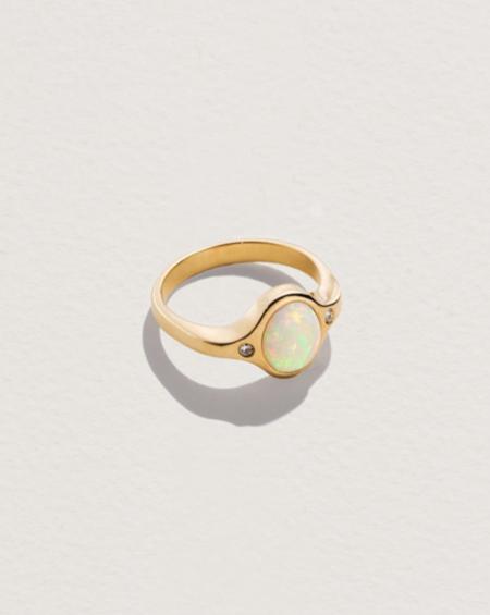 FINE Mini Essential Ring - 14k gold/Australian opal/Diamond