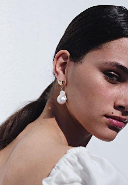 Meadowlark Camille Pearl Earrings - silver/green sapphire