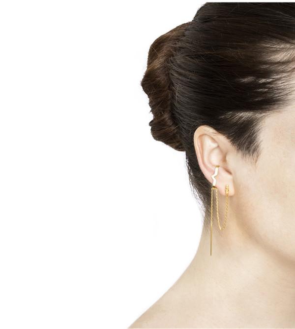 Maria Black Rose Hero Ear Cuff