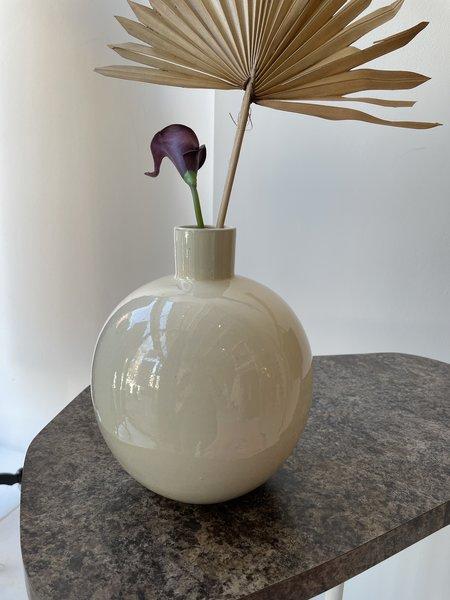 Matagalan Plantae Neo Tolteca 23 cm tall Vase - Ivory