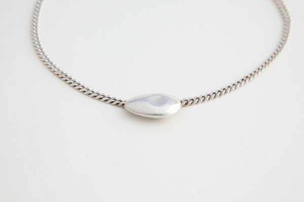Muraco Wolfe Avocado Chain Necklace