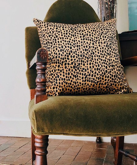 Ceri Hoover LARGE ACCENT PILLOW - CHEETAH