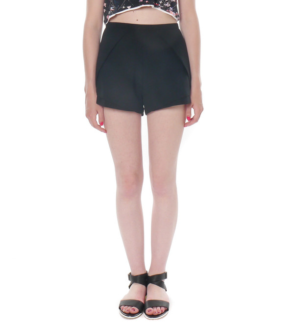 Shakuhachi Tailored Petal Shorts
