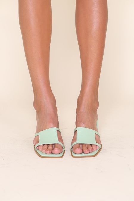 """INTENTIONALLY __________."" Inlow sandals - Green Tea Croc"