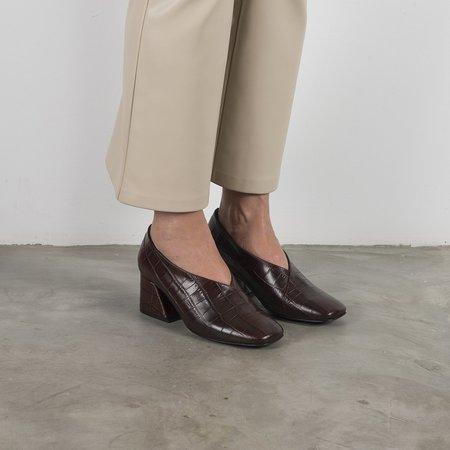 Unreal Fields DALE CROCK Leather Mid Heel Pumps - Brown