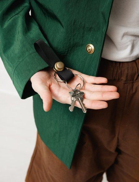 MAN-TLE Mens Short Snap Keyring - Black/Brass