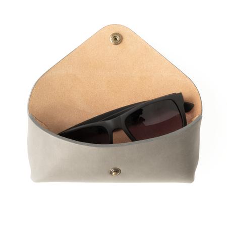 UNISEX MAKR Tab Eyewear Case - Horween Smooth Stone
