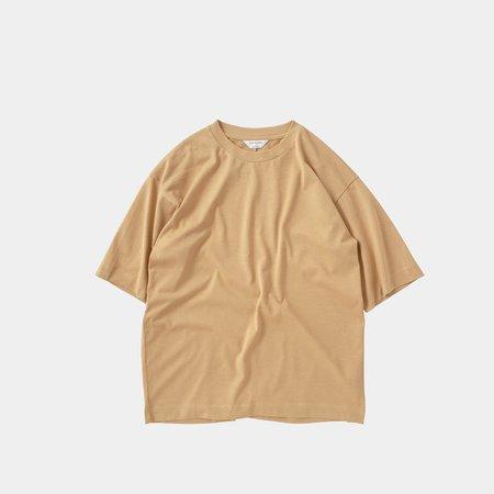 Still By Hand Yoke Seam T-shirt - Yellow Biege