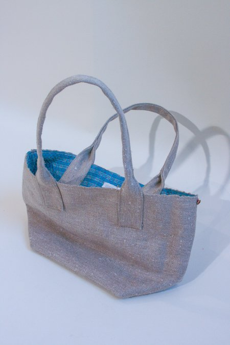 Bunai Hand Woven Natural Quilt-Lined Carryall bag - Gray