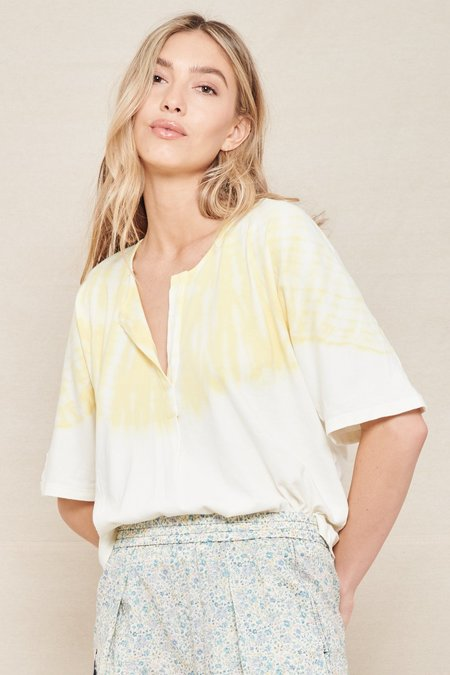 Raquel Allegra Henley Tie Dye Tee - Yellow Hilma