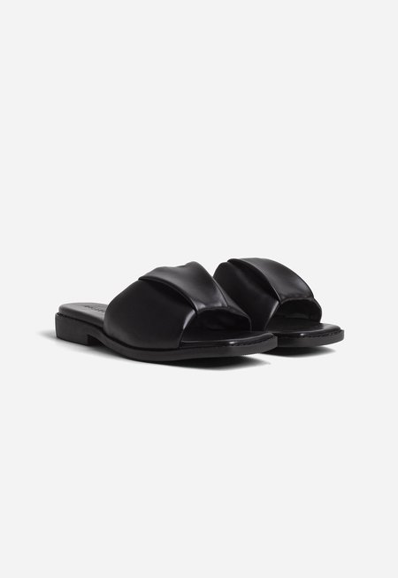 Collection and Co Nina Ruched Slide - Black
