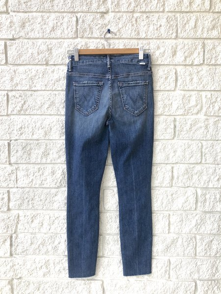 Mother Denim Hey Sunshine High Waisted Looker Ankle Fray Jeans - Walking On Coals