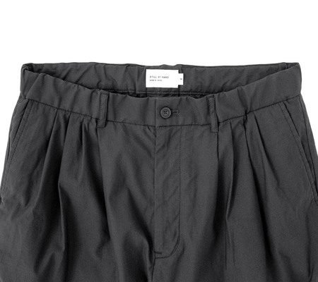Still By Hand 4-Tuck Slim Tapered Pant - Ink Black