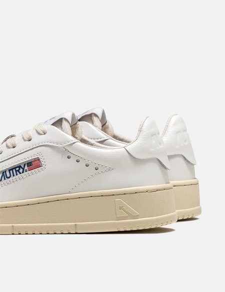 Autry Medalist Dallas Trainers Leather NW01 shoes - White
