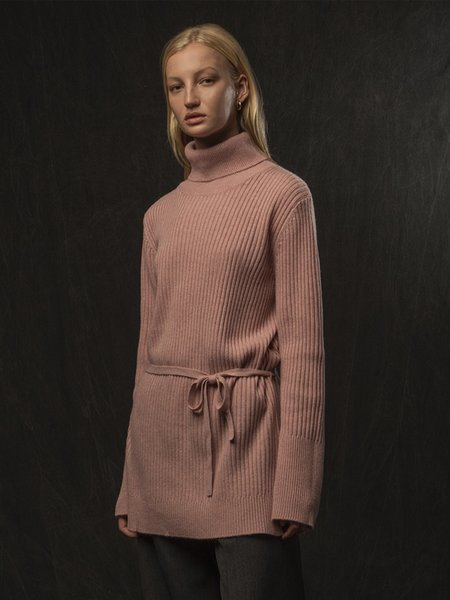 PURECASHMERE NYC Long Turtleneck Loose Fit Tunic - Heather Pink