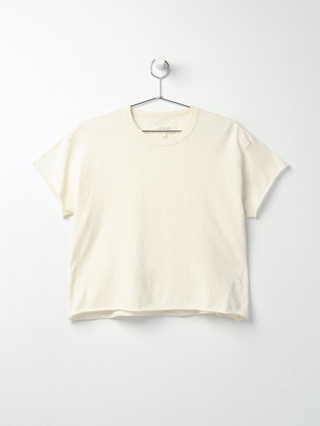 The Great. THE CROP TEE - Washed white