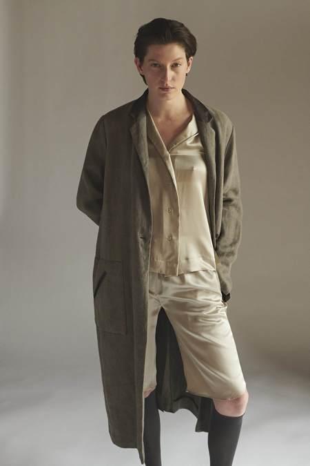 KES Time Out Bermudas Silk Shorts - Quartz