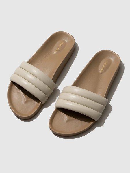 Beatrice Valenzuela Classic Sandals - Shell