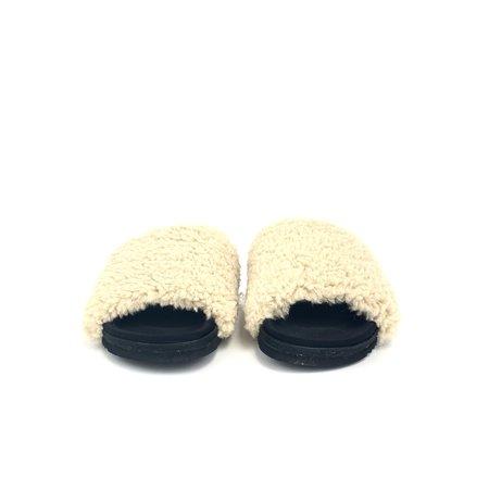 Roam Slider Sandal - Fuzzy Nude