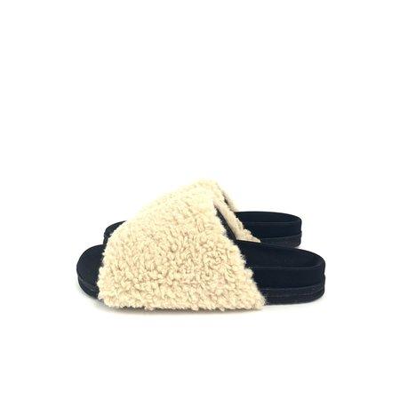 Roam Slider shoes - Fuzzy Nude