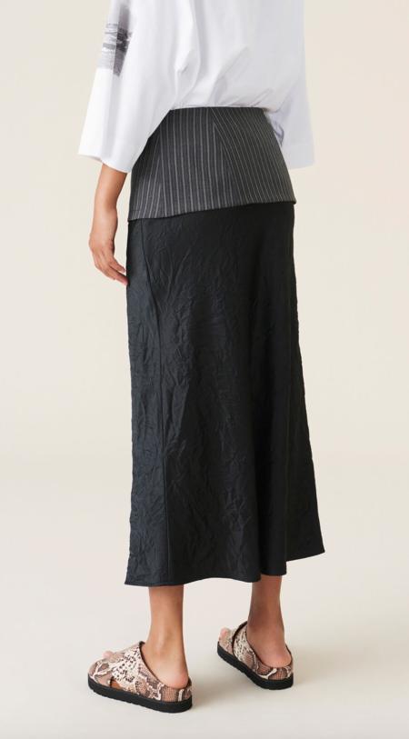 GANNI Crinkled Satin Skirt - black