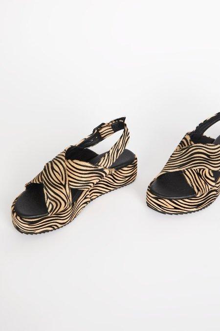 INTENTIONALLY __________ SUM Sandals - Beige Zebra