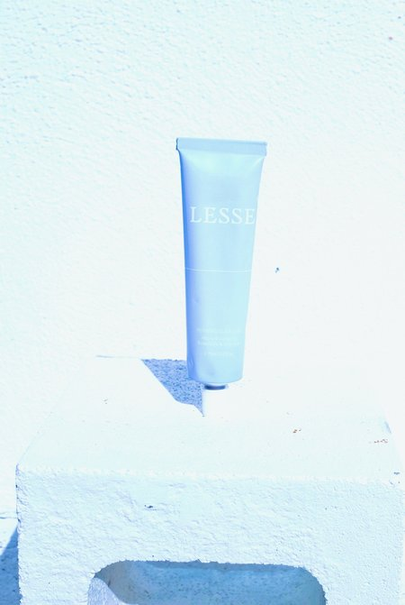 Lesse Refining Micro-Exfoliating Botanicals & Charcoal Cleanser