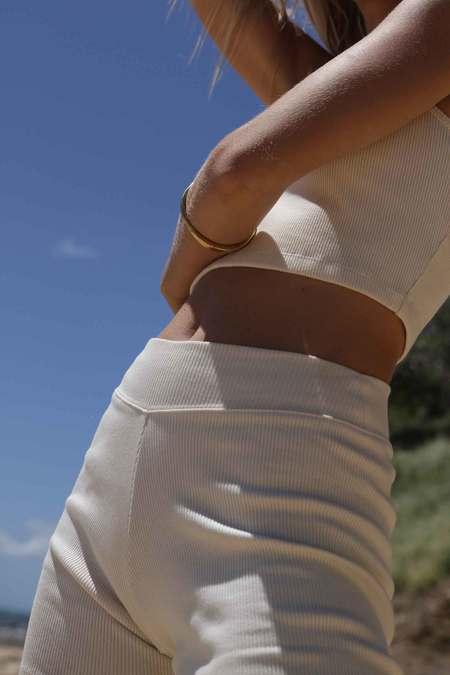 Arraei Collective MOON BIKE SHORT - white