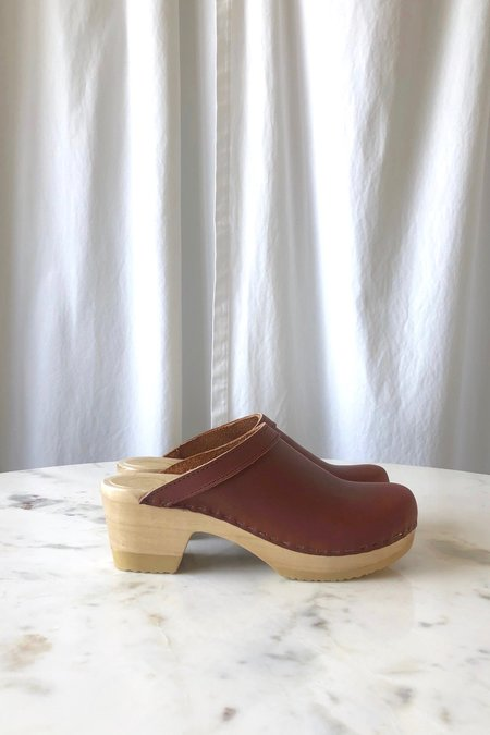 No.6 Old School Clog - Bourbon