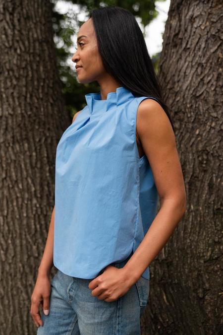 Odeeh sleeveless pleated neck blouse - Blue