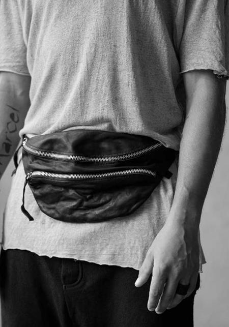 Julia Fom Leather Beltbag - Black