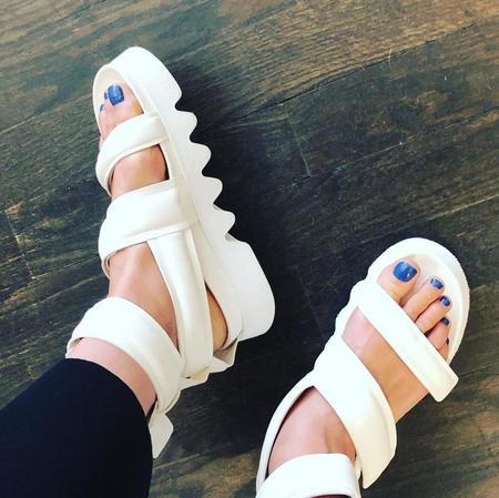 Puro Down2Earth sandal - White