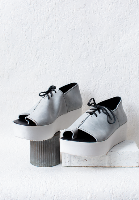 Bread & Butter Textured Leather Lace Up Toe Loop Platform Shoe - Grey