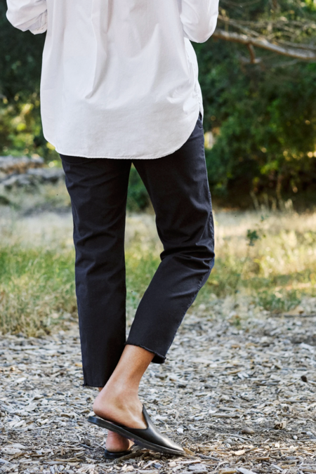 Frank & Eileen Wicklow Chino - Washed Black