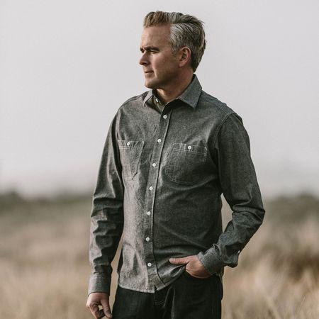 GREEN/BLACK PLAID The California Everyday Chambray Shirt - Charcoal