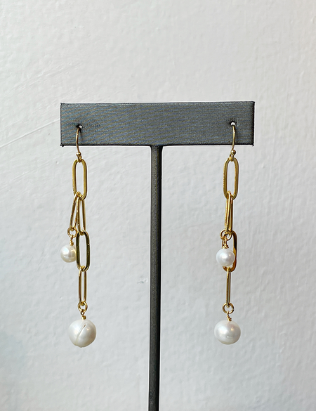 Sandy Hyun Pearl and Link Chain Drop Earrings