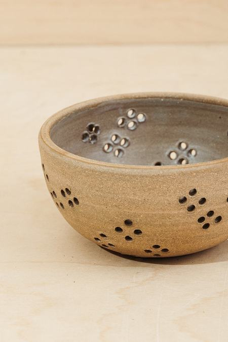 Juno Pottery Pointelle Berry Bowl - natural