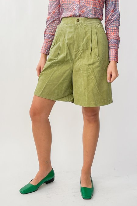 Vintage Suede Pleated Shorts - Lime