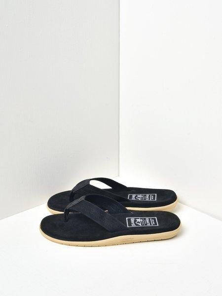 ISLAND SLIPPER CLASSIC ULTIMATE SUEDE shoes - BLACK