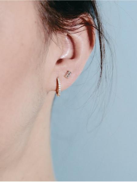 Trois Petits Points Aquamarine Baguette Earrings - 18kt gold