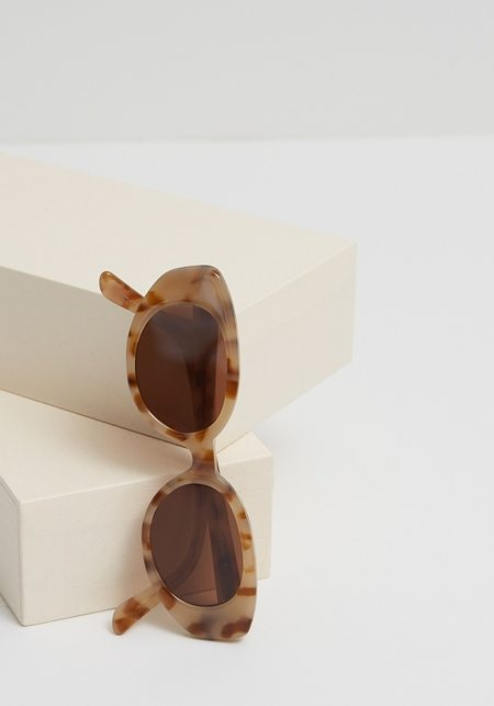 Velvet Canyon A La Plage Sunglasses - Caramel Tort